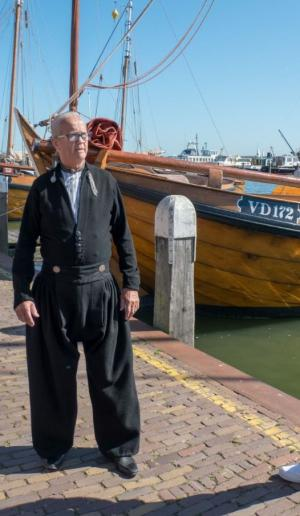 City walk Volendam met gids in klederdracht