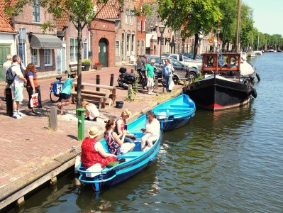 Silent electric-powered boats Edam