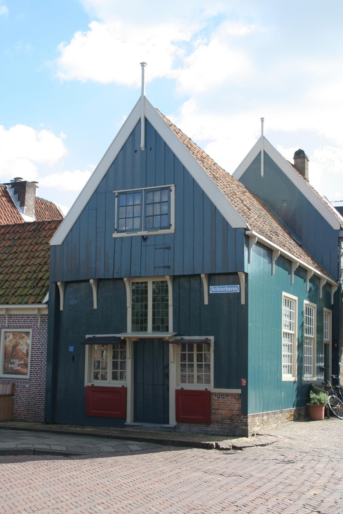 Houten huis vvv edam for Hout huis